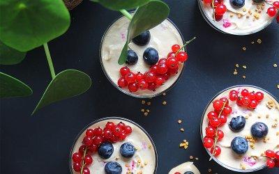 Crème coco-citron-vanille et baies rouges