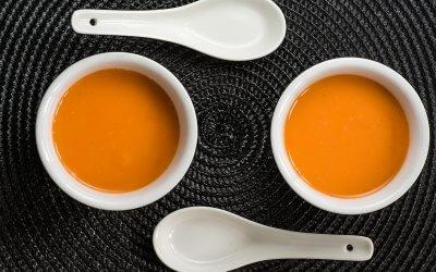 Soupe froide de carottes et lait de coco